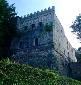 One of the stunning old walls and buildings of Montepulciano