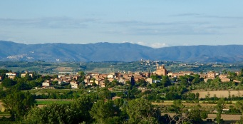 The hills and mountains of the Tuscan countryside